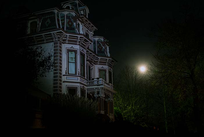 Photo: Moon and the Gaar Mansion in Richmond, Indiana.